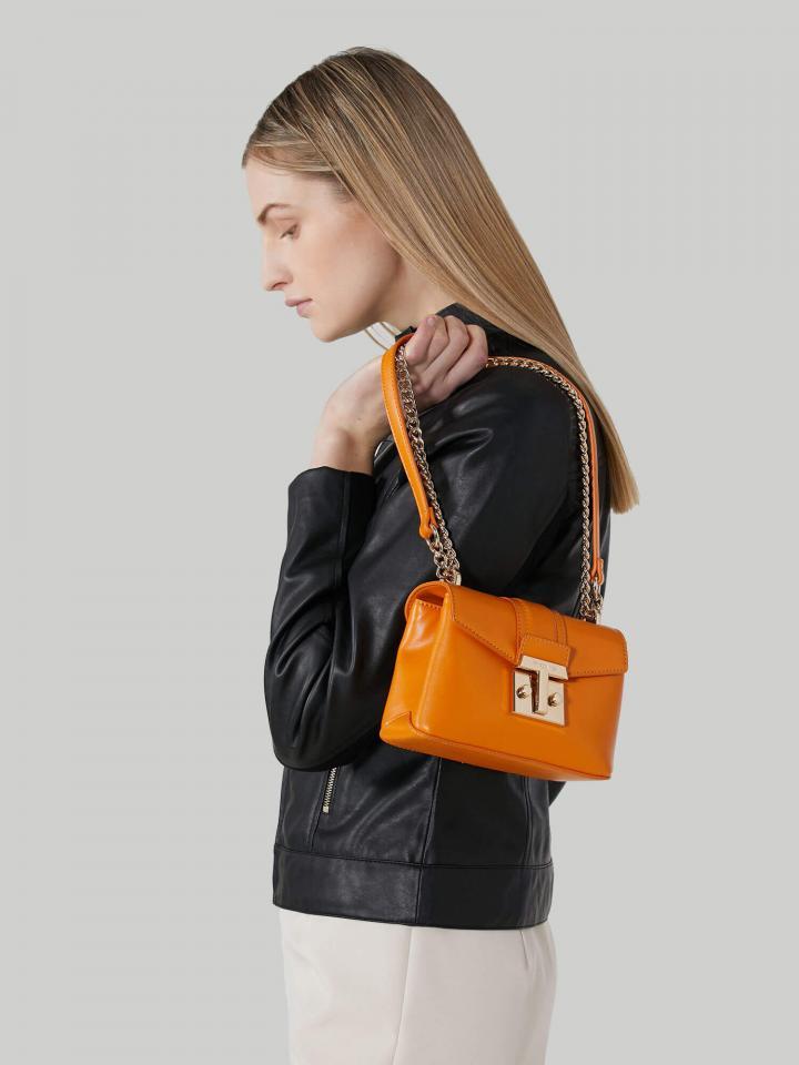 Il fascino raffinato delle borse romantiche